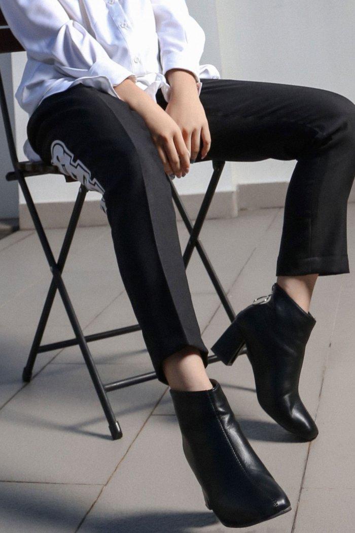 LEG LOGO LAAS PANTS BLACK